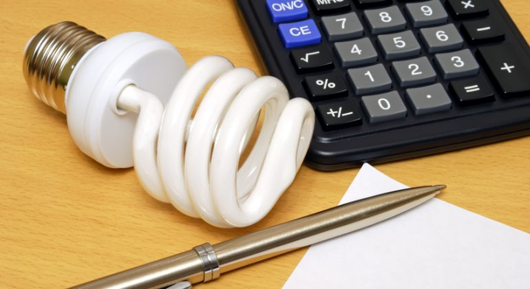 Tools to calculate the savings from the use of Compact Fluorescent Lightbulb